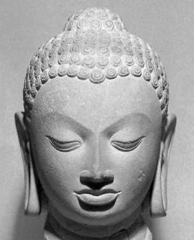 Tête de Buddha, grès, époque Gupta, fin Ve siècle - VIe siècle, National Musem, New Delhi, © Hideyuki Kamon